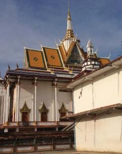 ロシアンマーケット近くの寺院